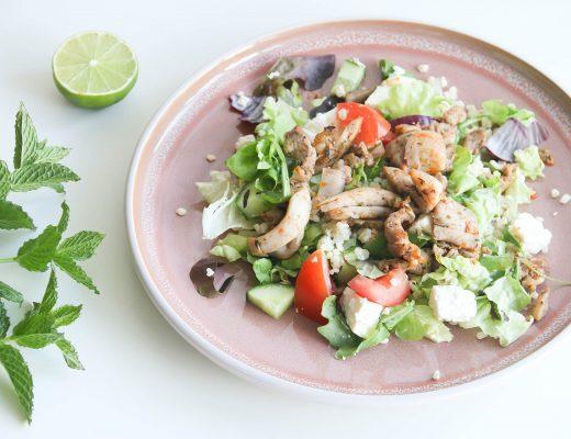 griekse salade van de zijkant